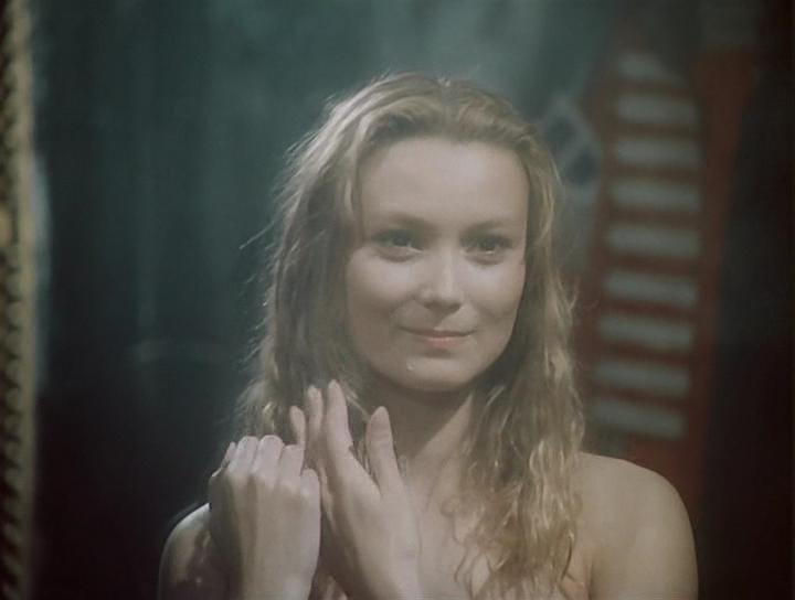 Фото голой ларисы белогуровой из фильма гений, секс сисястыми директором