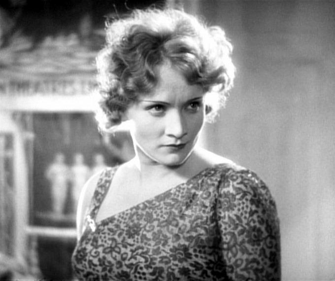 """������ ������ (Marlene Dietrich) - """"������� �����"""" (1930)"""