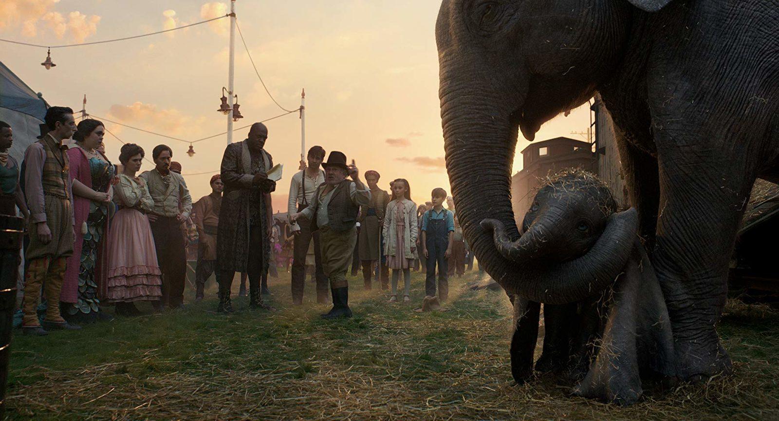 «Дамбо»: Слон улетел, клоуны остались