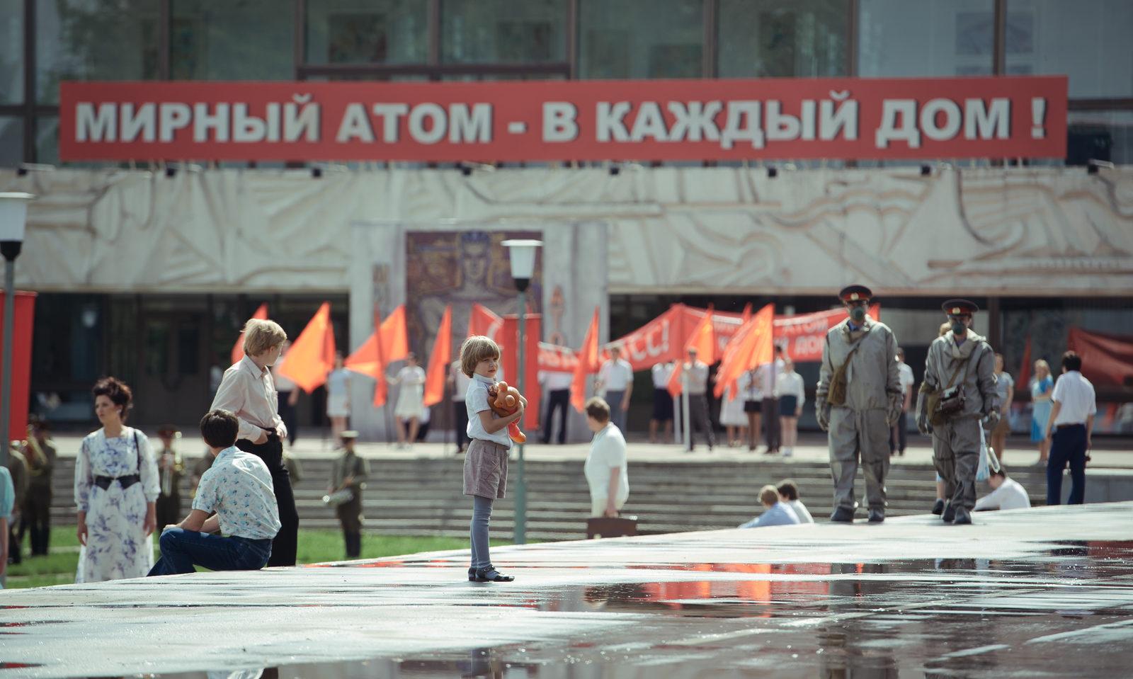 «Чернобыль»: Данила Козловский в огне не горит и в воде не тонет