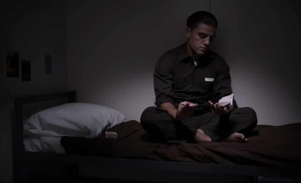 Рядовой Тилич бежал: «Холодный расчет» — визуальная тюрьма для Оскара Айзека