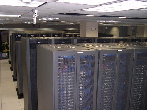 На большой студии обычно имеются машины помощнее домашних PC