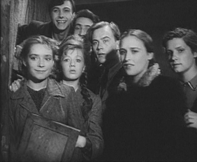 Молодая гвардия фильм смотреть