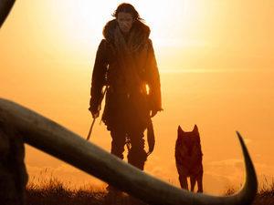 Альберт Хьюз снял кино про дружбу первого человека и прародителя собак
