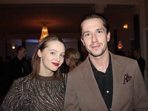 Егор Корешков и Юлия Хлынина помолвлены