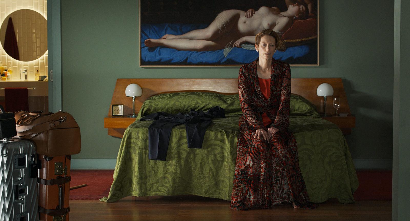 Тильда Суинтон ждет мужчину в трейлере нового фильма Педро Альмодовара