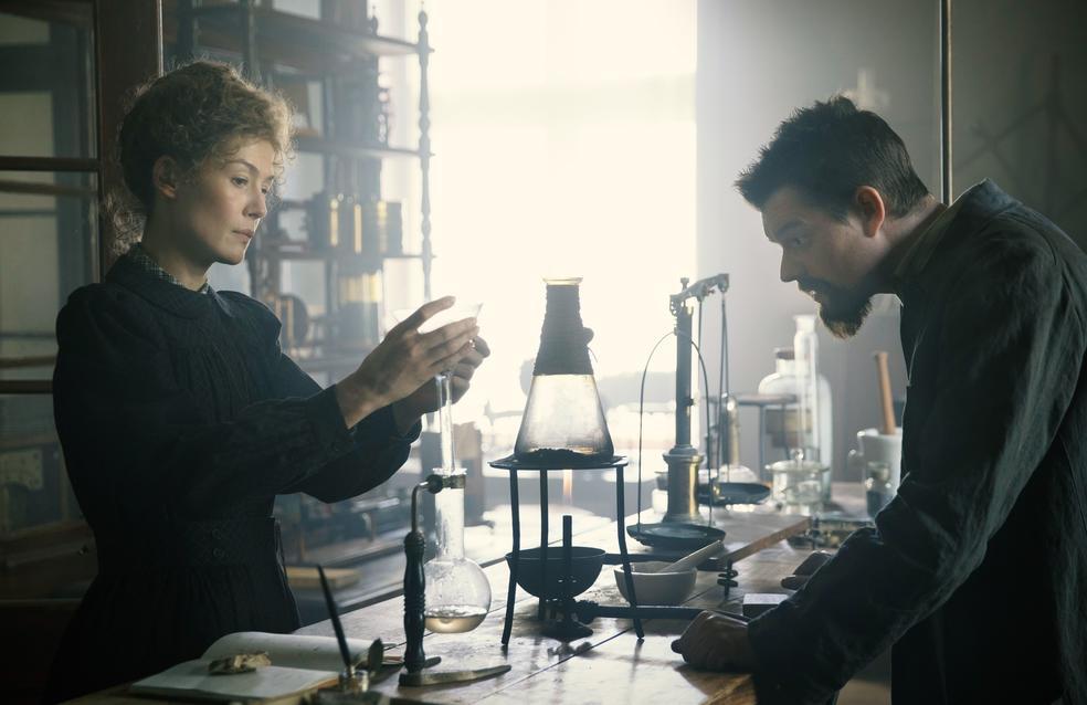 Опасный элемент (2019) - Radioactive - кадры из фильма ...