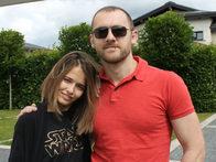Любовь Аксенова и Денис Шведов находят любовь в реабилитационном центре