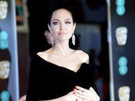 «Это изменило меня изнутри»: Анджелина Джоли о смерти матери